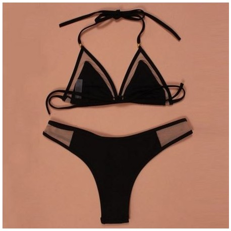 Hermoso bikini con transparencias